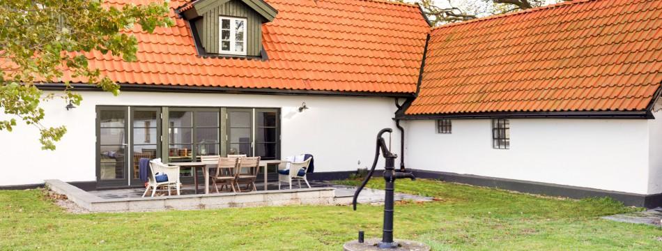 Flott renovert husmannsplass «Skånelenga» på pittoreske Söderslett